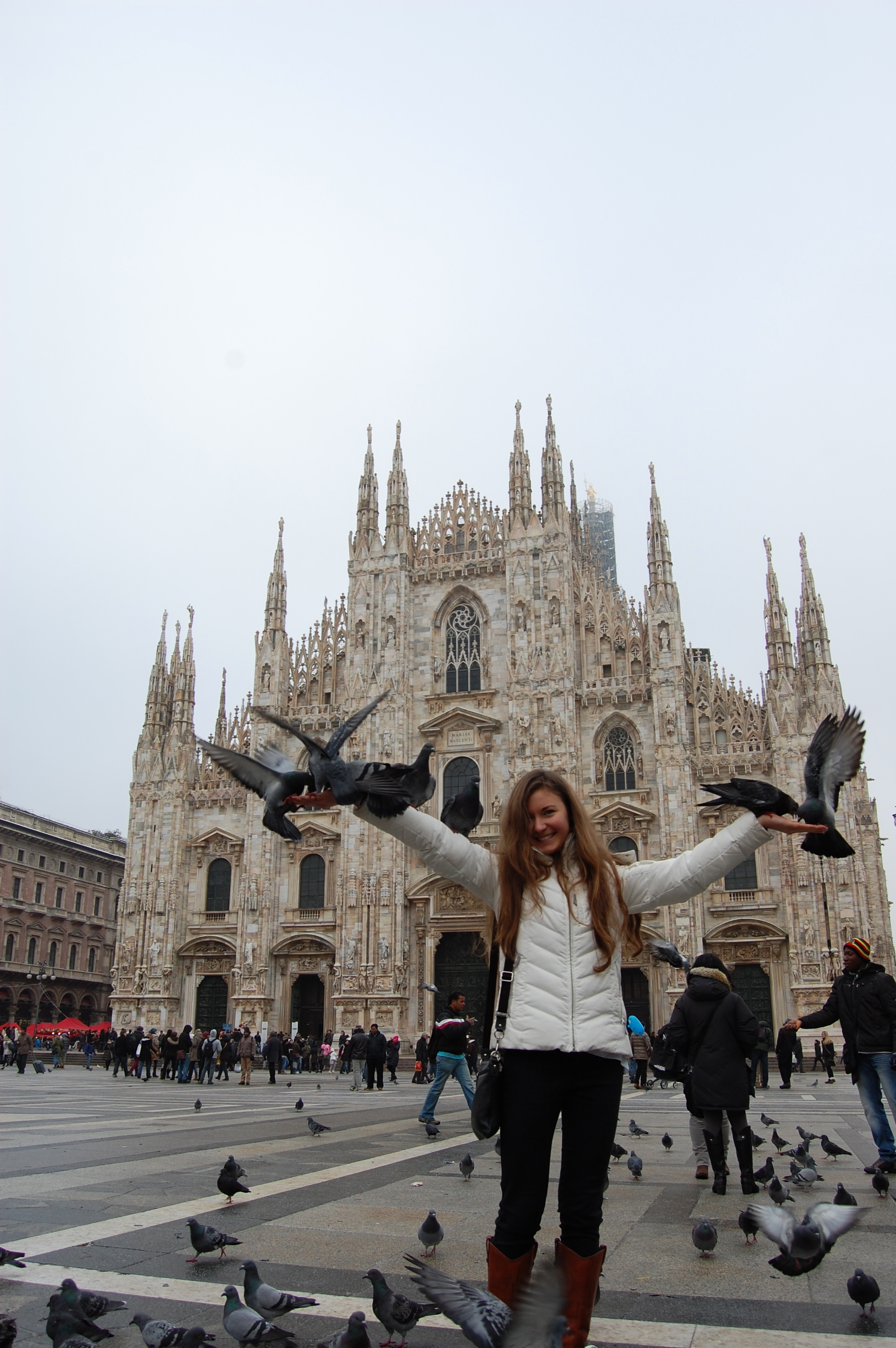 Bri and Pigeons at the Duomo